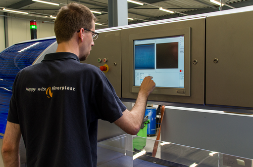 Application story bread inspection at Niverplast - Touch panel for new settings